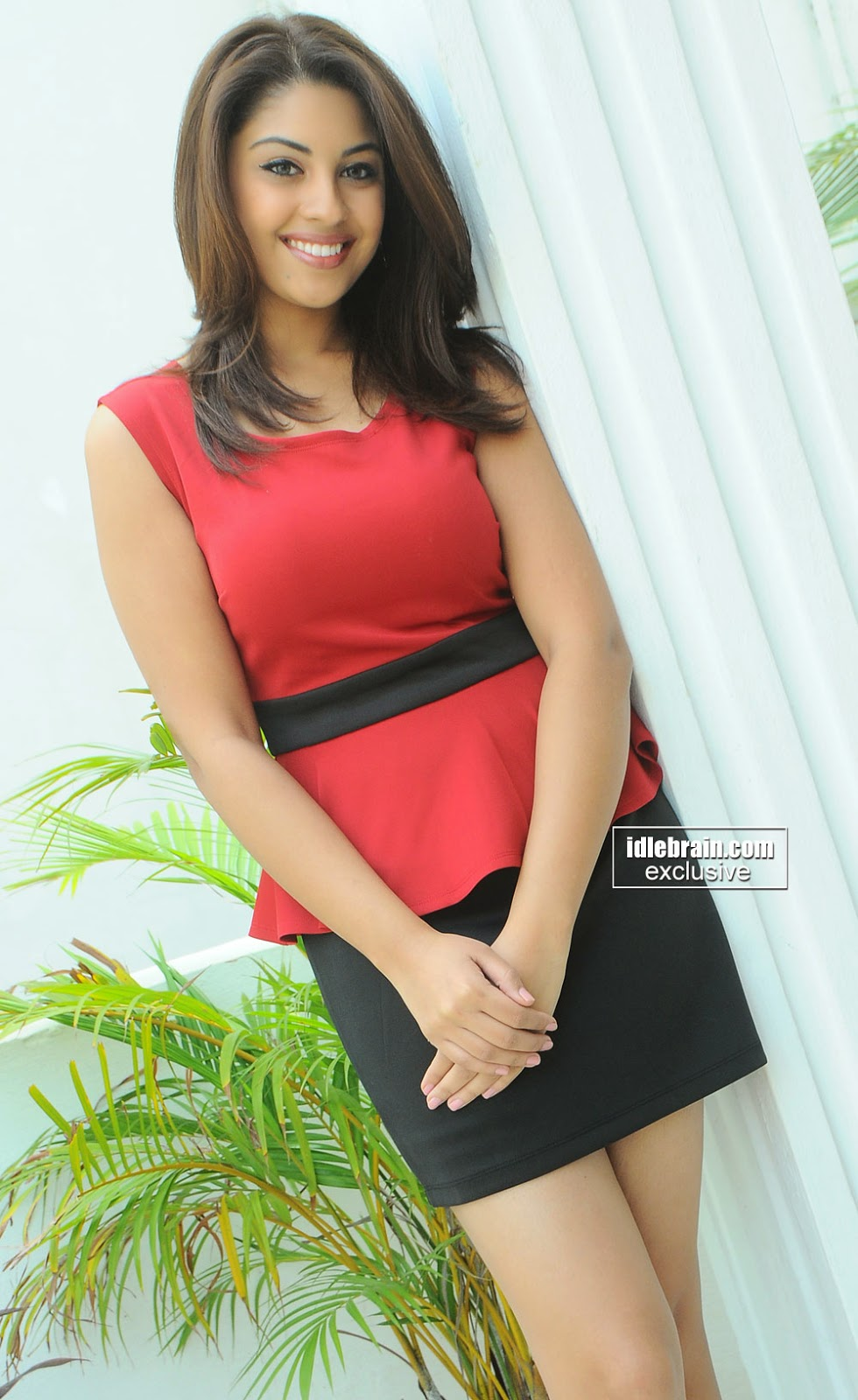 Richa Gangopadhyay black short skirt