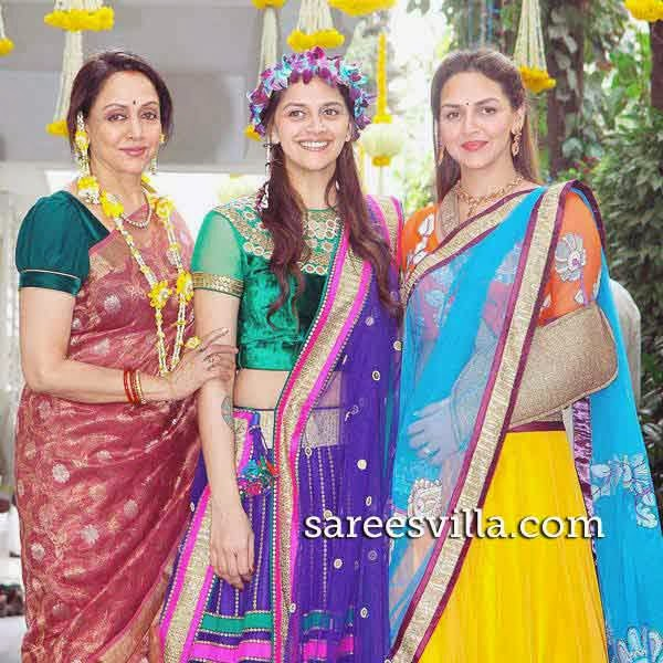 Hema Malini With Ahana Deol and Esha Deol