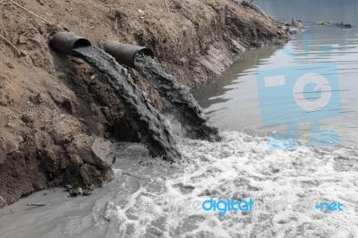 Peran Penyebab Pencemaran Air Pada Rusaknya Lingkungan