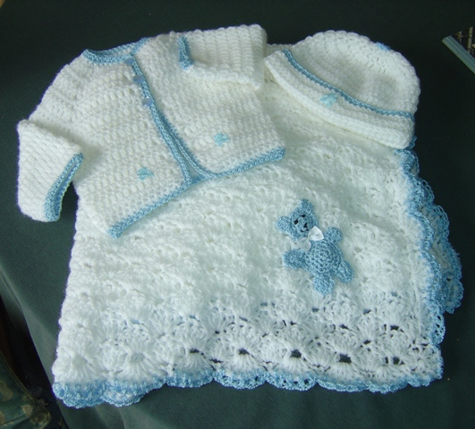 Crochet Baby Boy Sweater Free Patterns : Enthusiastic crochetoholic: Little Crochet