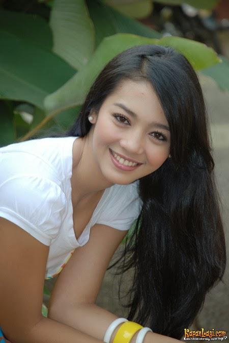Nuri Maulida (lahir di Bandung, Jawa Barat, 22 November 1985) adalah ...