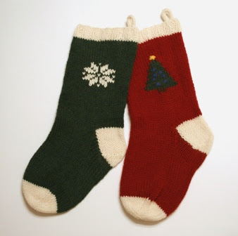Knit Christmas Stocking Pattern Free : The Knitting Needle and the Damage Done: A Run of Christmas Stockings