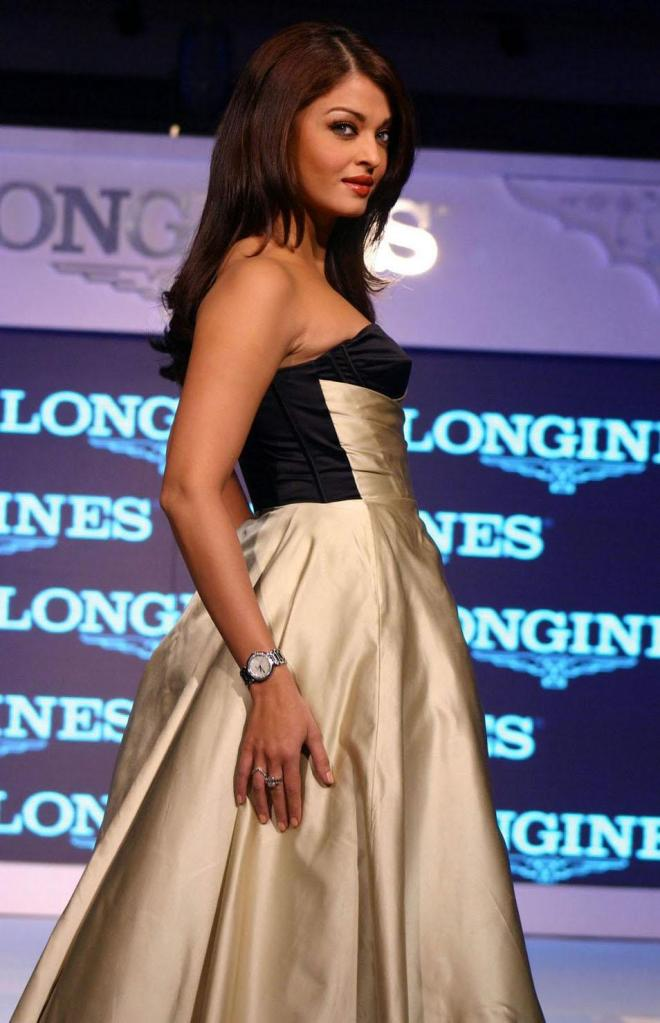 Aishwarya Rai Latest Ramp Walk Stills after pregnancy