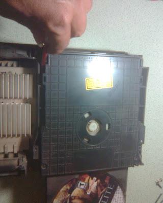 Langkah - Langkah Memperbaiki Optik PS2 (7)
