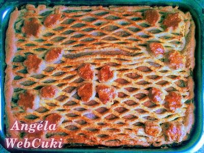 Almás pite 2, sütés után, szeletelés előtt.