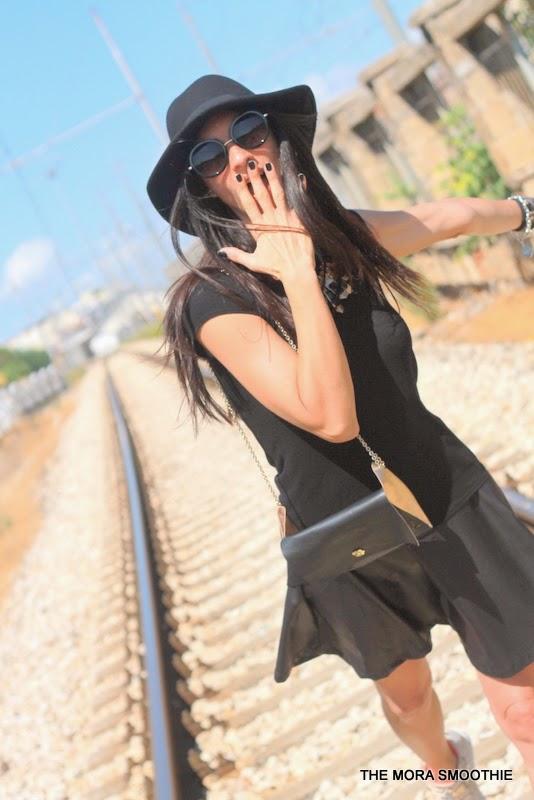 outfit, look, fashion, fashionblog, fashionblogger, themorasmoothie, fashionbloggeritaliana, italiafashionblog, italiangirl, primark, zara, diy, doityourself, topfashion, streetstyle, hat, skirt, shirt, hat, bag, ootd