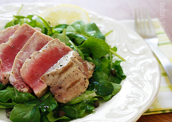 seared tuna with tomato lemon vinaigrette recipes dishmaps seared tuna ...