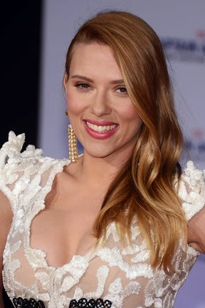 Scarlett Johansson marries in quiet ceremony