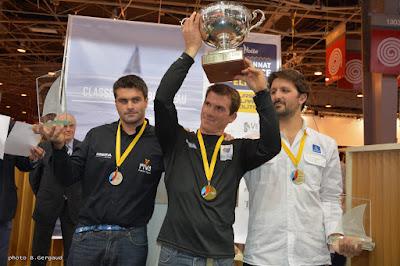 Xavier Macaire avec sa coupe de champion de France 2015 !