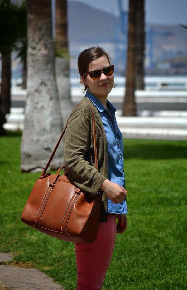 look_outfit_pantalón_rosa_camisa_vaquera_nudelolablog_01