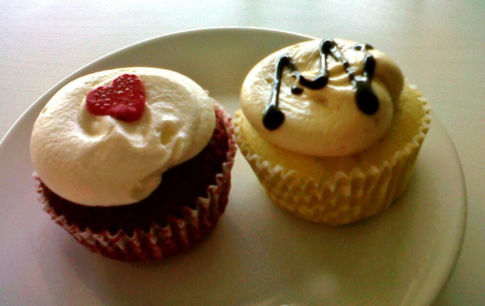 Travel, Music, & Food!: Cupcake Heaven