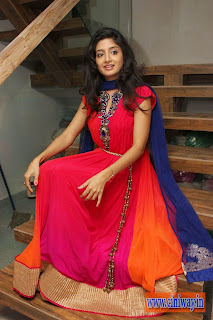 Poonam-Kaur-Churidar-Stills-at-F-Studio