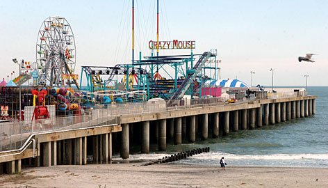 For sale atlantic city 39 s steel pier hospitality and for Steel piers for house