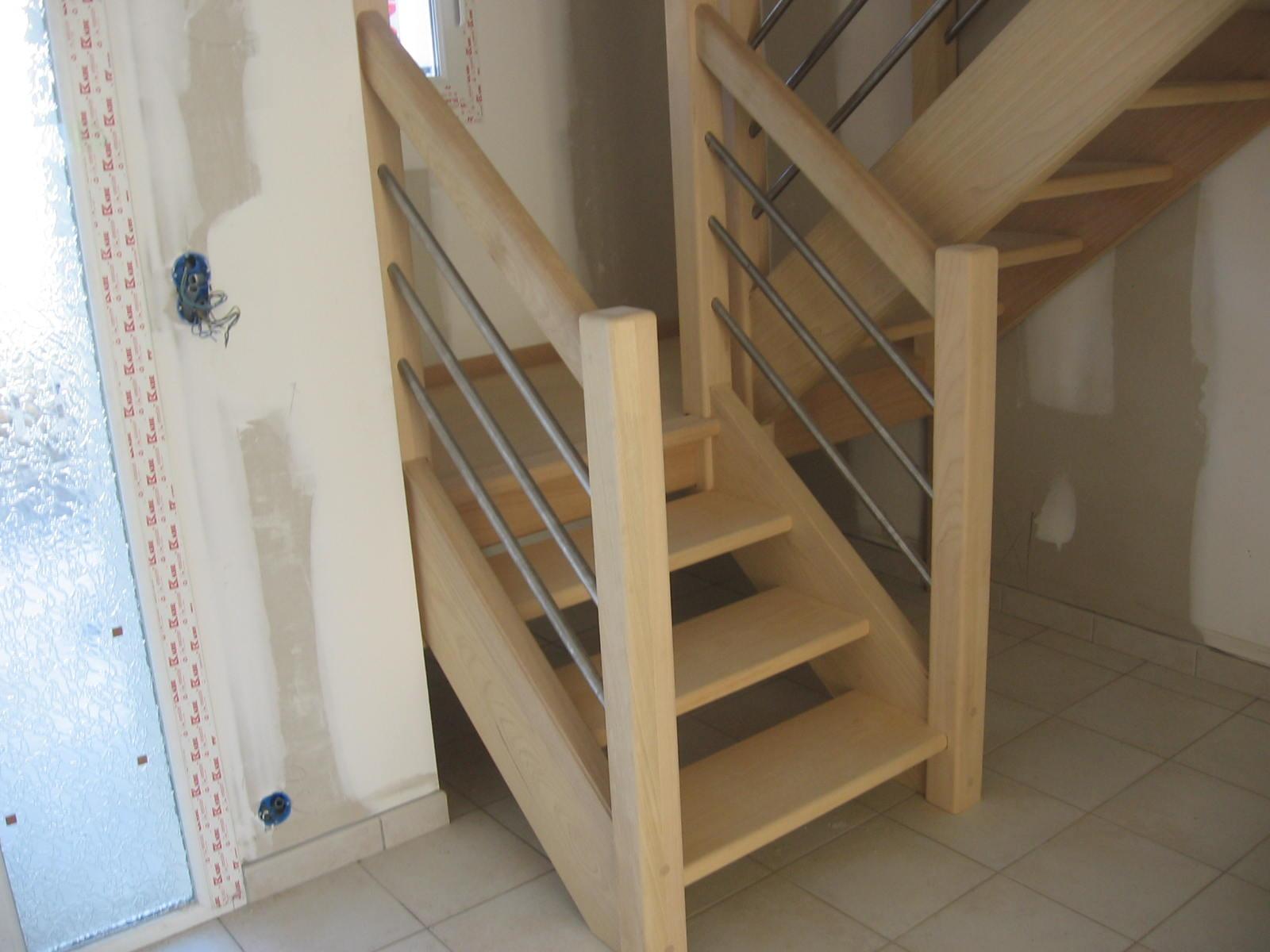 Peinture pour escalier bois exotique for Peinture pour escalier bois