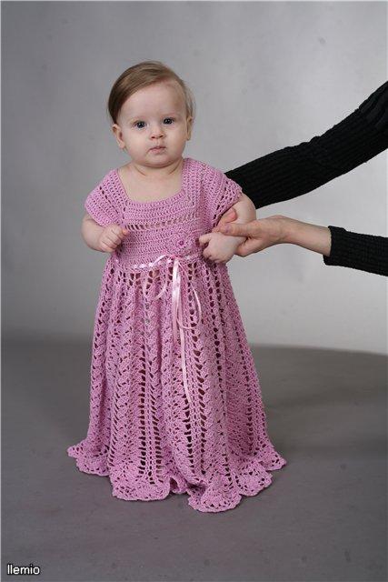 Вязаные крючком крестильные наборы, крыжмы, платья, шляпки для маленьких принцесс