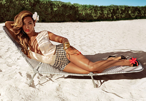 Beyonce Stuns In H&M'S Summer Campaign