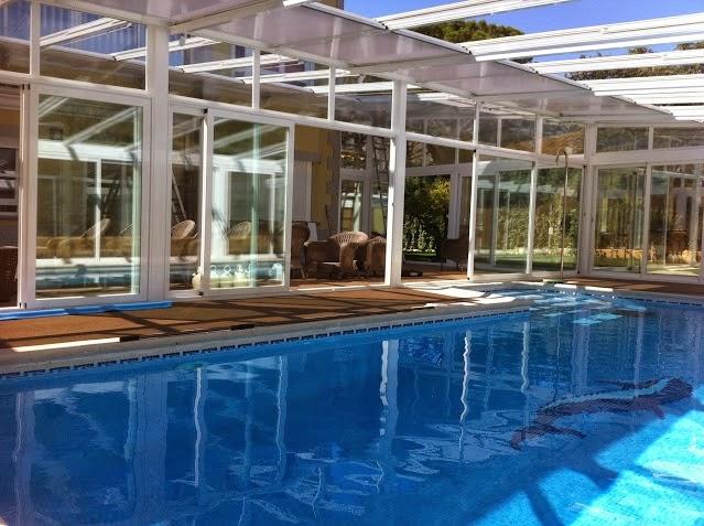 Cubierta de piscina barata y econ mica si busca for Cubierta de piscinas precios