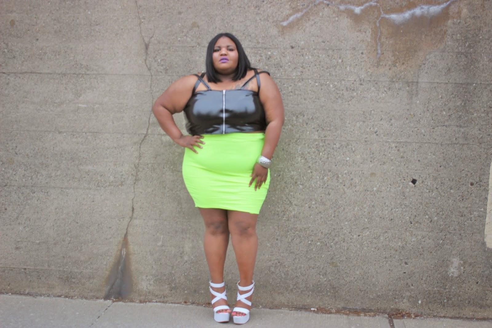 kurvaciousbella,plussize,plussizeblogger,blogger,bodyconskirt,plussizebodycon