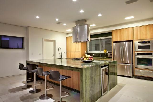 Cozinhas contempor neas e tecnol gicas com ilhas veja for Kitchen designs big