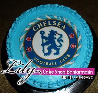 kue tampak atas kue ultah tema klub sepak bola tersohor