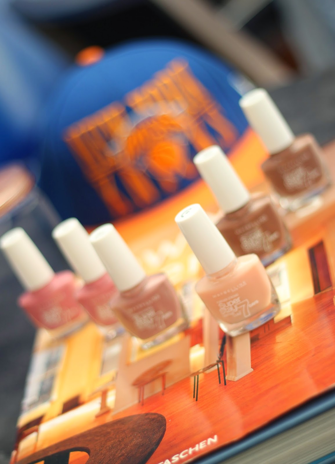 photo-maybelline_ny-gato-esmaltes_uñas_nude