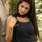 Shraddha Das   in Tight Jeans Photo Gallery