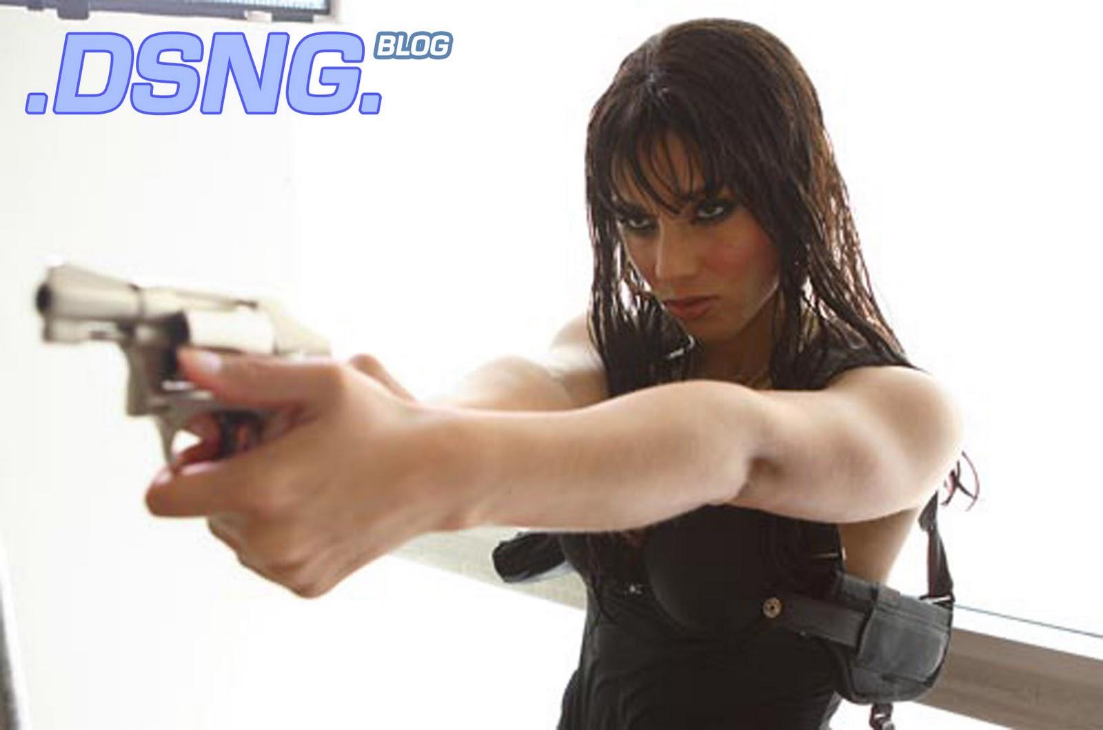http://3.bp.blogspot.com/-a7wVlX0b8Wg/TnkGYg_SuXI/AAAAAAAABU0/CqQz8cJiX-E/s1600/ALICIA+KEYS+SEXY+PAWG+THICK+SHOT+SHOOTS+SMOKIN+ACES+ACTION+SCENE+HANDUN+REVOLVER+GUN+2.jpg