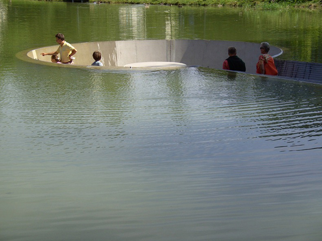 Observatório no meio da lagoa