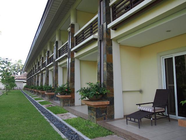 Sheridan Beach Resort mountain view rooms