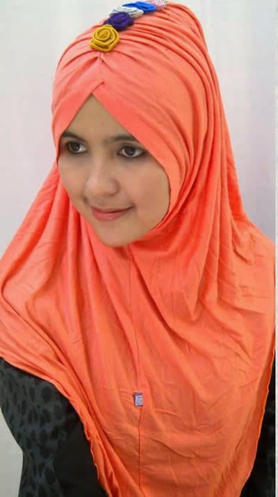 memilih model jilbab