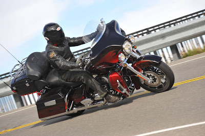 Harley Davidson FLHTCUSE6 CVO Ultra Classic Electra Glide