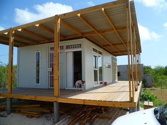 Tropical Shipping Container Home 640 x 480