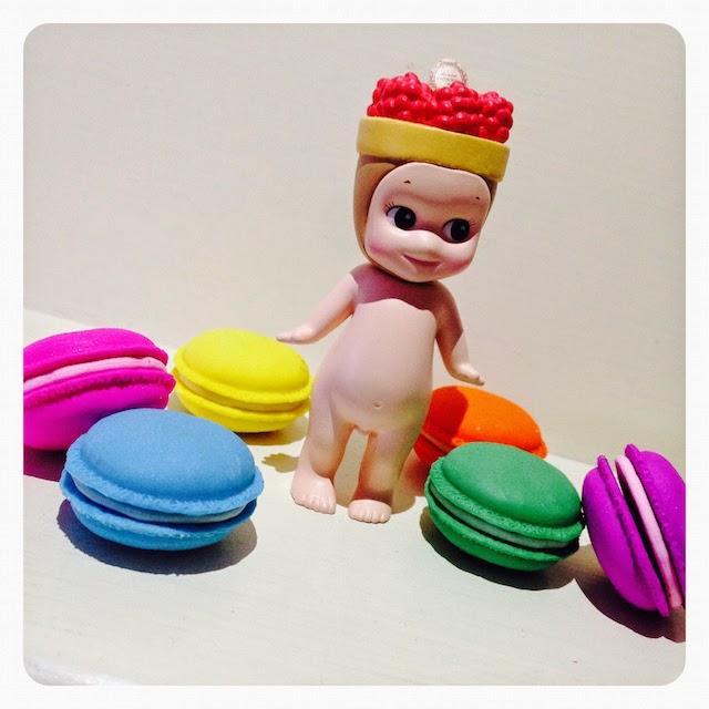 Macarons Eraser Box