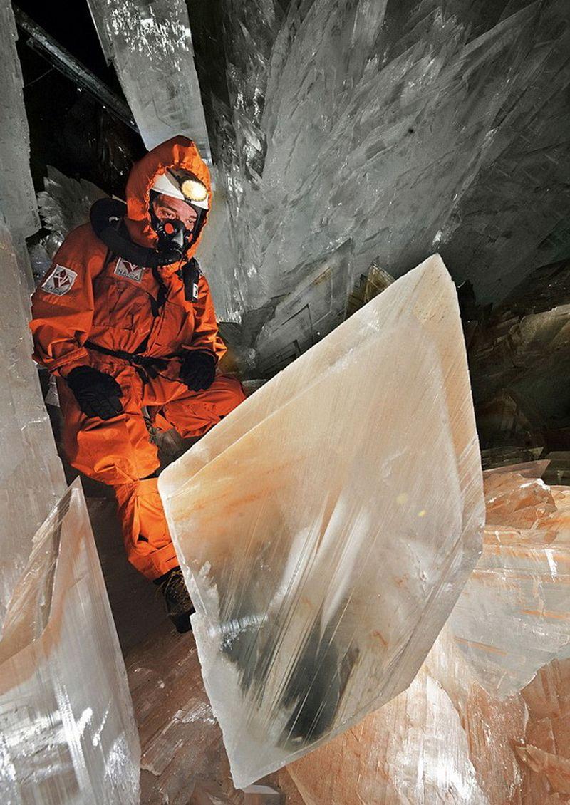 Картинки по запросу пещера гигантов в Мексике hd фото
