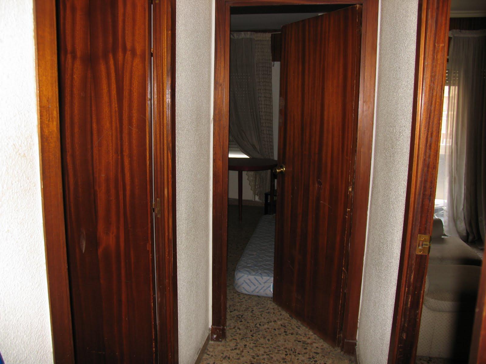 Esp ritu chamarilero lacar puertas en blanco y cambiar for Pintar puertas de blanco en casa