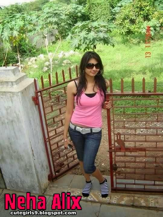 5 Hot And Sexy Beautiful Indian School College Girls Photos
