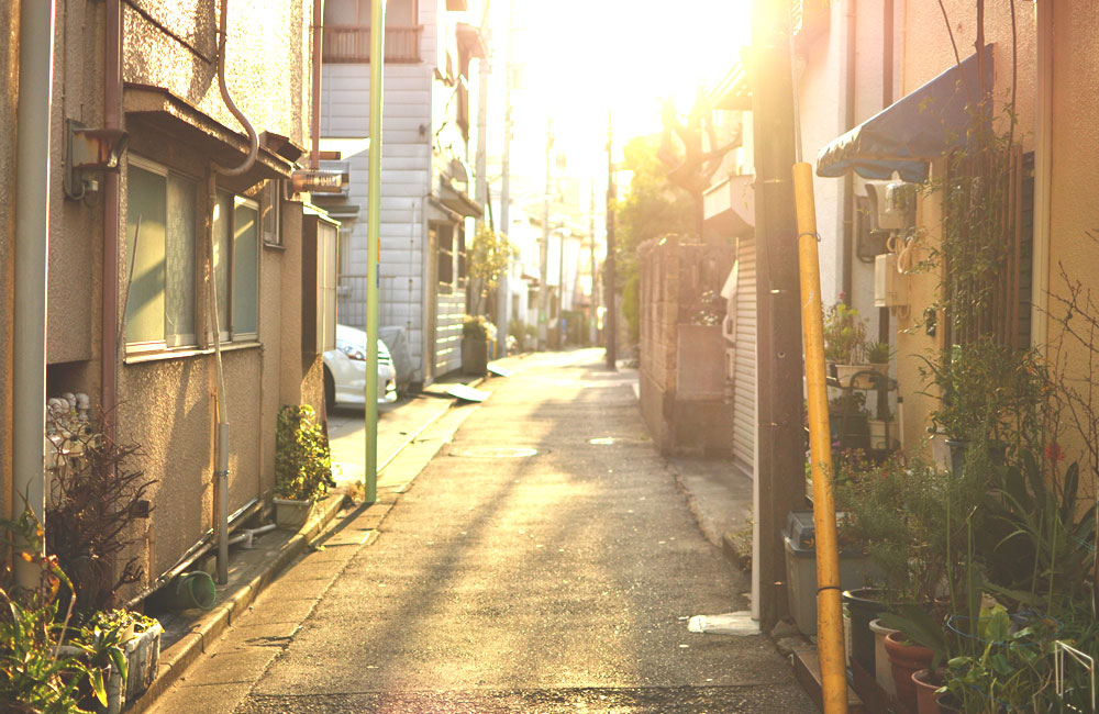 近所の路地で撮った夕方の写真