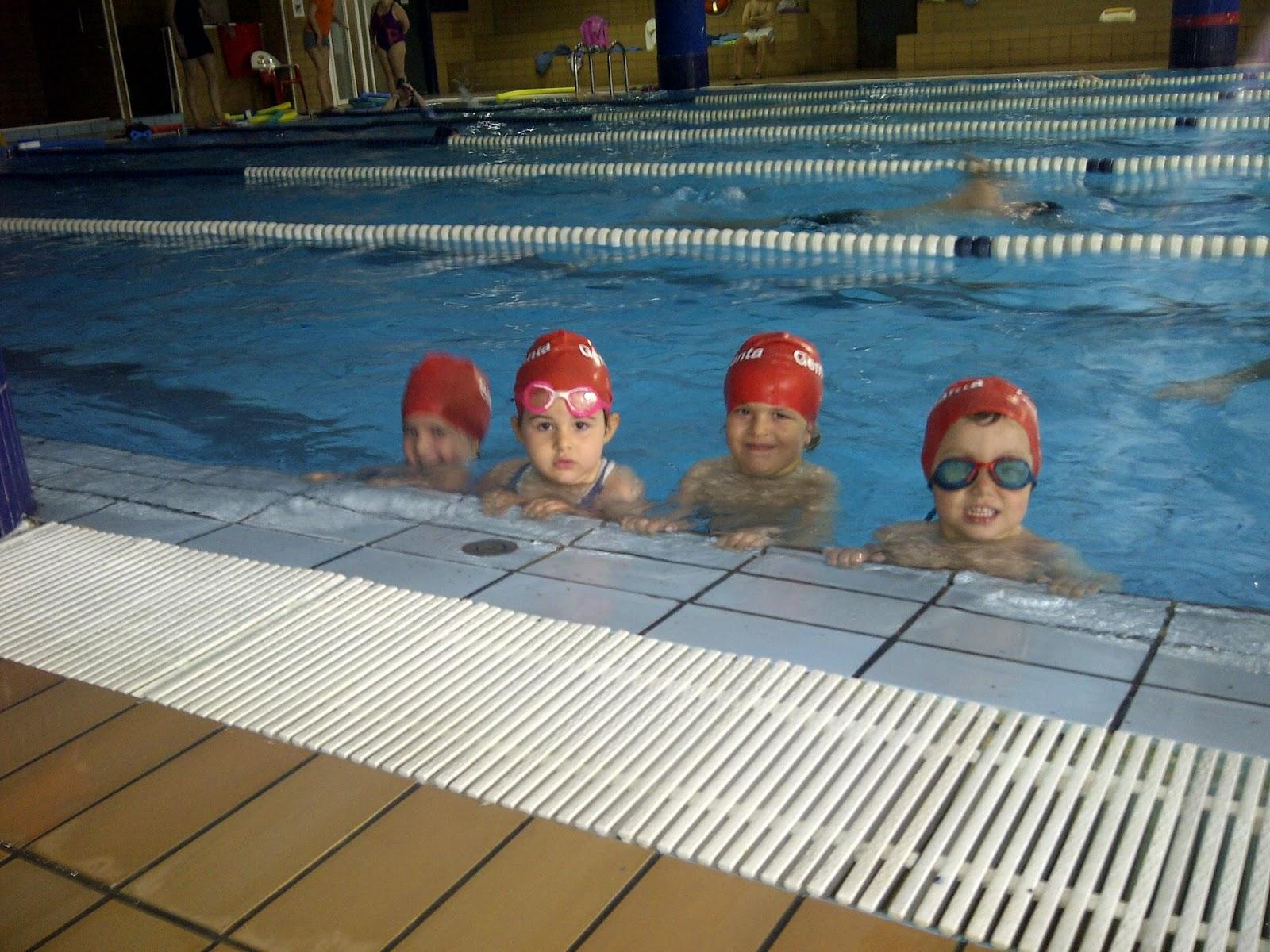 Colegio santa gema galgani educaci n infantil mayo 2014 for Bordillo piscina