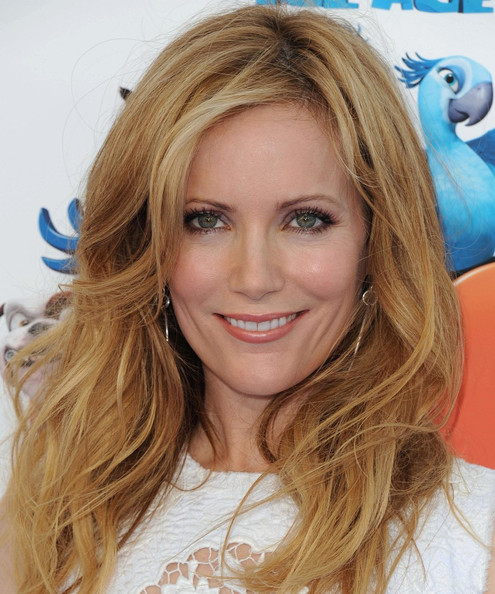Leslie Mann Bra Size, Height, Weight And Measurements