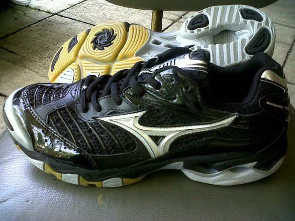 Mizuno Wave Lightning 6