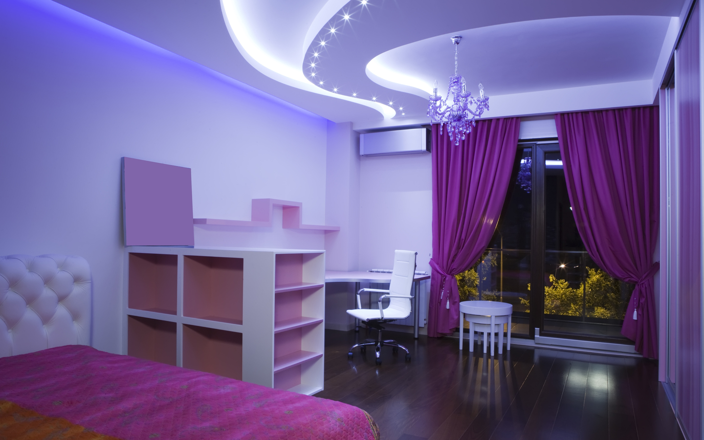 purple bedroom creates a quiet and comfortable atmosphere - home
