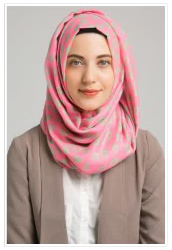 Pilihan Hijab Modern Untuk Wajah Lonjong