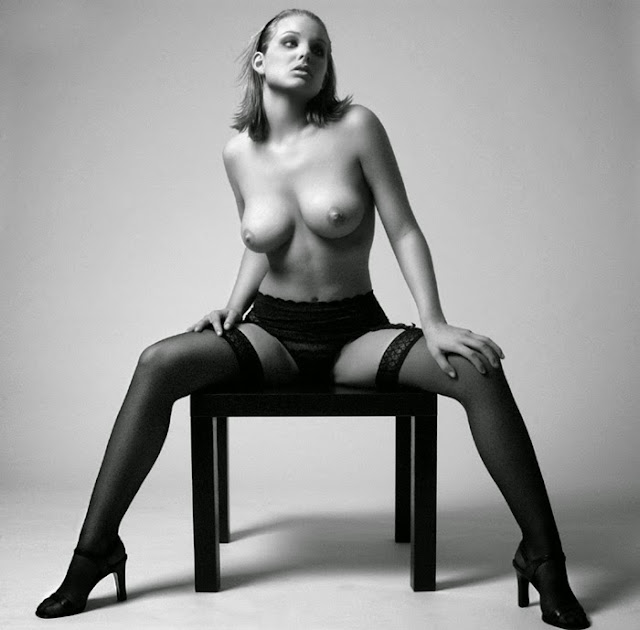 Britney spears nude black and white picture 66