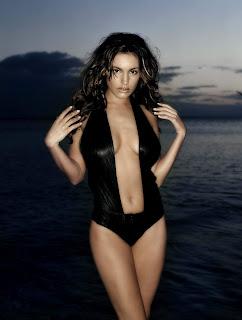 Kelly Brook Photoshoot, Kelly Brook Bikini Pics