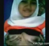 Jilbab Sergap dari Belakang
