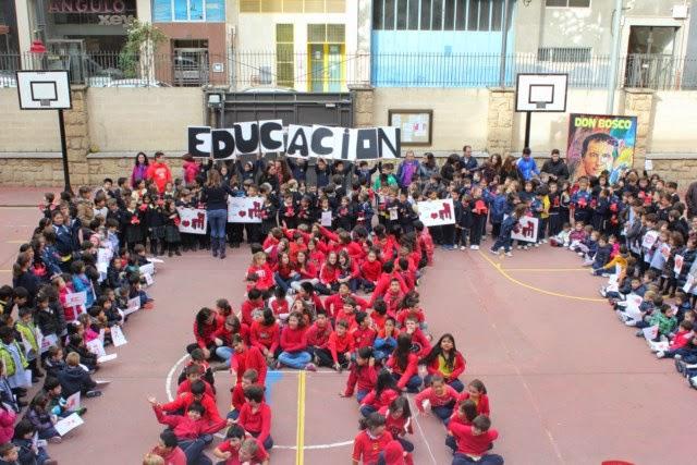 http://infantilpastoral.blogspot.com.es/2014/11/la-silla-roja-visita-los-boscos.html