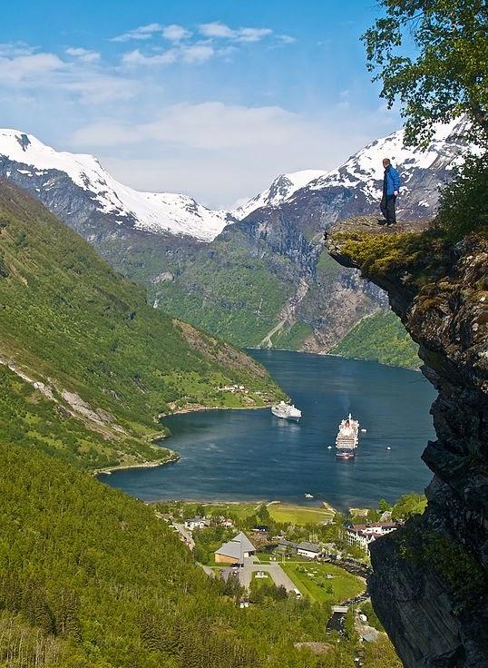 Geirangerfjord di Norwegia - www.NetterKu.com : Menulis di Internet untuk saling berbagi Ilmu Pengetahuan!