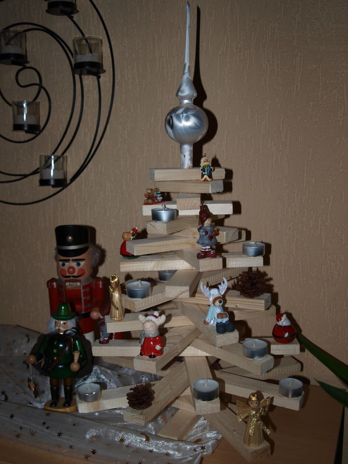 harzhexes handarbeiten weihnachtsb umchen aus holz. Black Bedroom Furniture Sets. Home Design Ideas