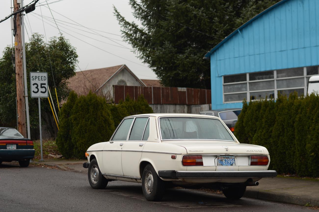 old parked cars 1974 bmw bavaria. Black Bedroom Furniture Sets. Home Design Ideas