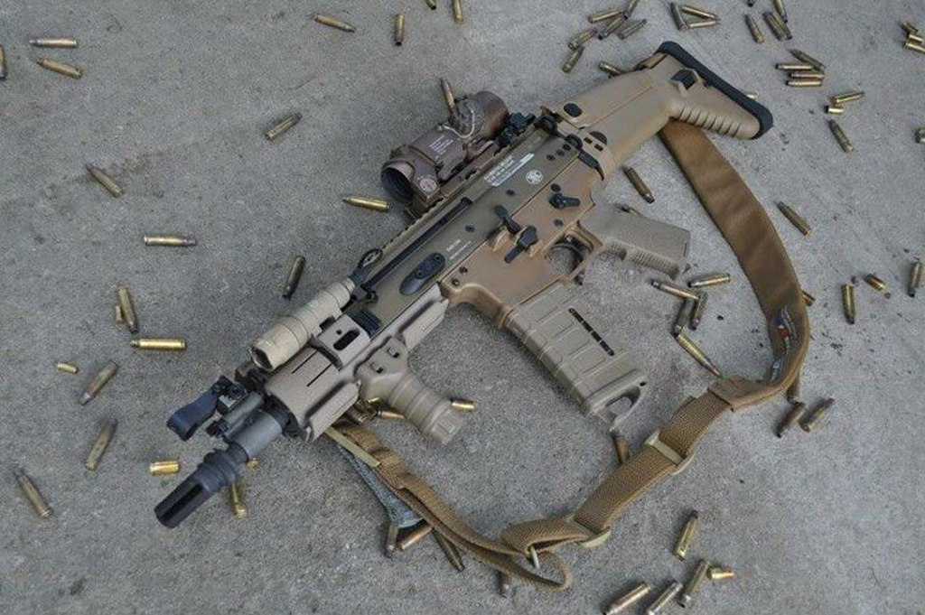 FN SCAR (Special Operations Forces Combat Assault Rifle)